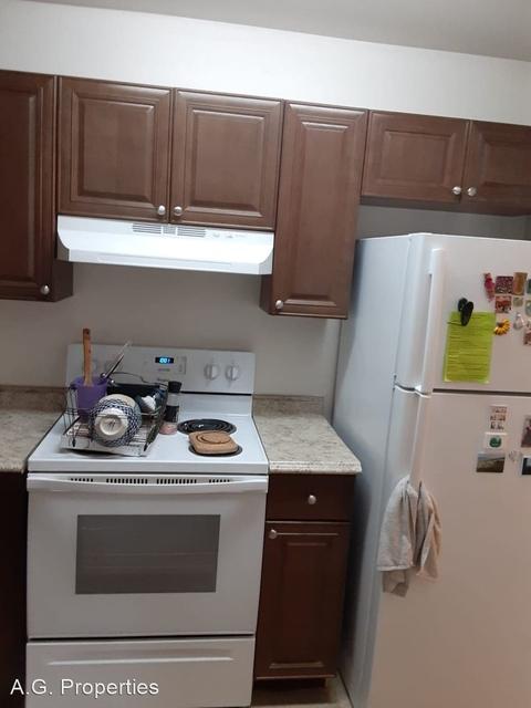 2 Bedrooms, Lake Colony Rental in Miami, FL for $1,255 - Photo 1