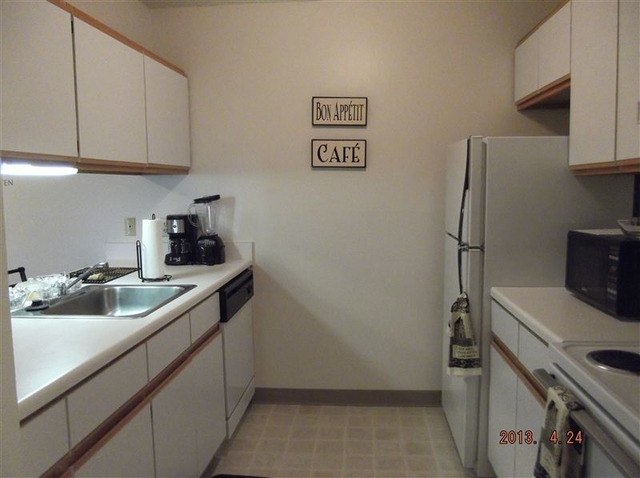 2 Bedrooms, USA Rental in  for $665 - Photo 1