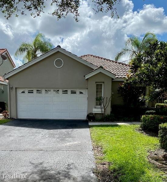 4 Bedrooms, Central Park Lake Rental in Miami, FL for $2,800 - Photo 1