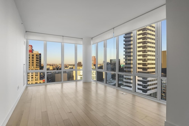 2 Bedrooms, Long Island City Rental in NYC for $3,916 - Photo 1