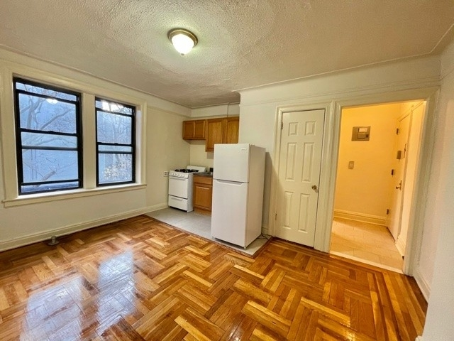 1 Bedroom, Sunnyside Rental in NYC for $1,625 - Photo 1