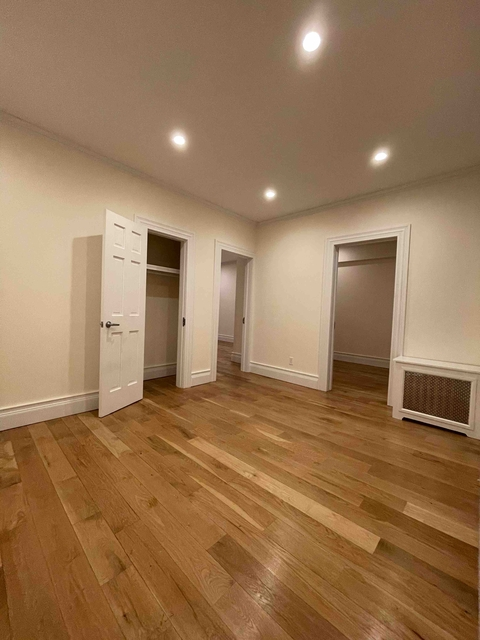 2 Bedrooms, Hell's Kitchen Rental in NYC for $2,400 - Photo 1