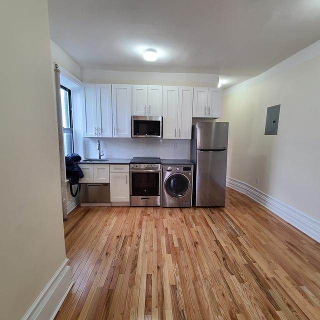 3 Bedrooms, Ridgewood Rental in NYC for $2,250 - Photo 1