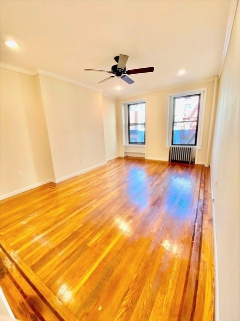 2 Bedrooms, Yorkville Rental in NYC for $2,142 - Photo 1