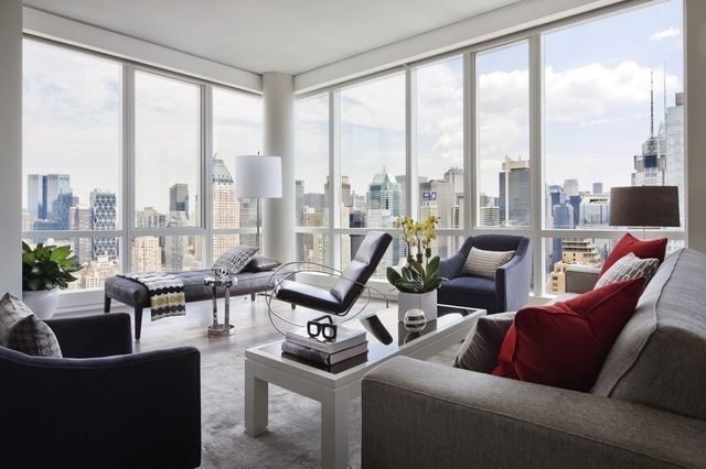 2 Bedrooms, Hell's Kitchen Rental in NYC for $4,555 - Photo 1