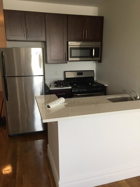2 Bedrooms, Steinway Rental in NYC for $2,200 - Photo 1