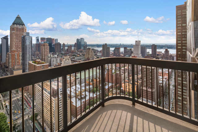 2 Bedrooms, Theater District Rental in NYC for $5,558 - Photo 1
