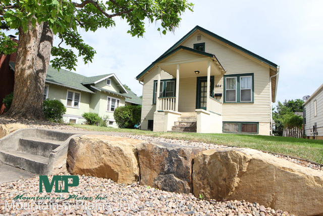4 Bedrooms, University North Rental in Fort Collins, CO for $2,395 - Photo 1