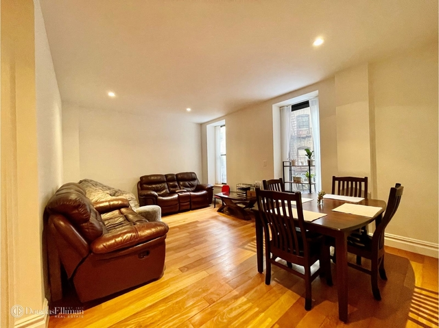 3 Bedrooms, Lincoln Square Rental in NYC for $0 - Photo 1