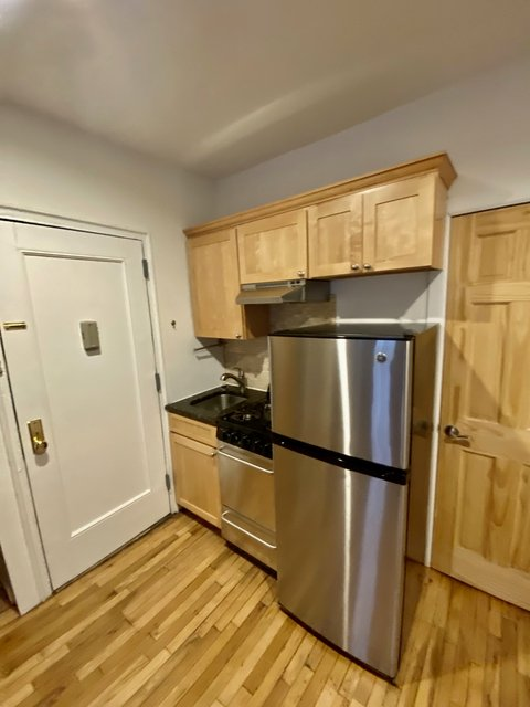 Studio, Yorkville Rental in NYC for $1,755 - Photo 1