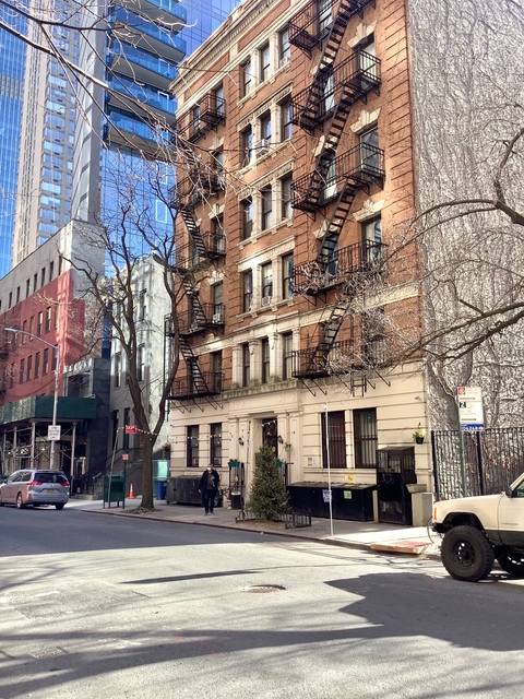 2 Bedrooms, Hell's Kitchen Rental in NYC for $2,016 - Photo 1