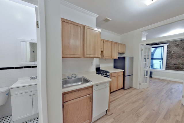 3 Bedrooms, Little Italy Rental in NYC for $3,416 - Photo 1