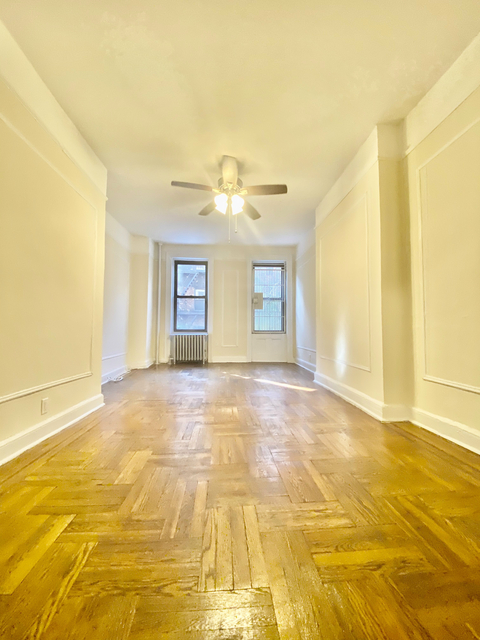 2 Bedrooms, Chatham Rental in Chicago, IL for $2,395 - Photo 1