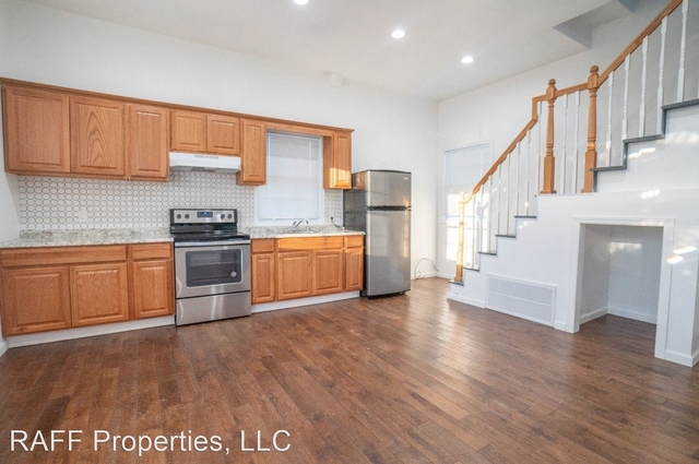 2 Bedrooms, East Patchogue Rental in Long Island, NY for $2,400 - Photo 1