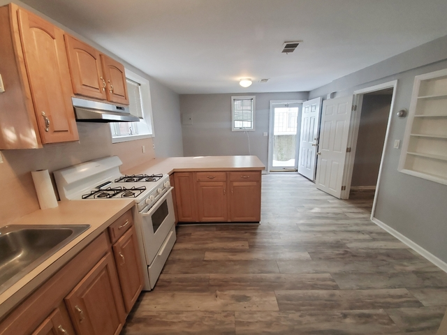 2 Bedrooms, West Brighton Rental in NYC for $1,500 - Photo 1