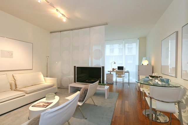 Studio, Garment District Rental in NYC for $2,702 - Photo 1