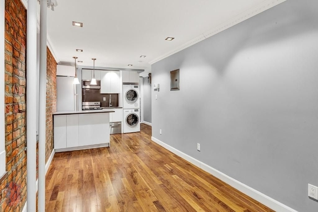 2 Bedrooms, Little Italy Rental in NYC for $2,854 - Photo 1