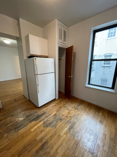 2 Bedrooms, Yorkville Rental in NYC for $1,883 - Photo 1