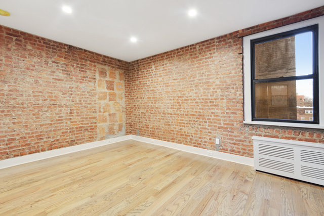 1 Bedroom, Jackson Heights Rental in NYC for $2,274 - Photo 1