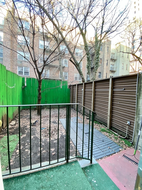 2 Bedrooms, Yorkville Rental in NYC for $2,975 - Photo 1