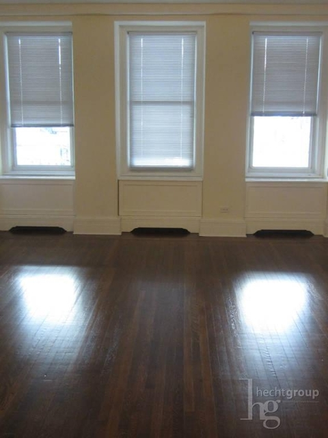 2 Bedrooms, Yorkville Rental in NYC for $4,552 - Photo 1