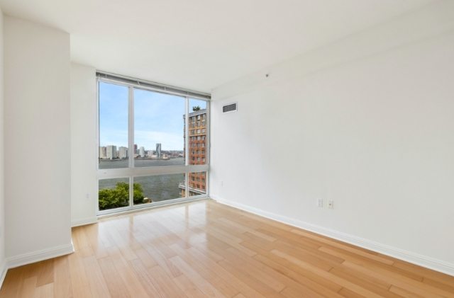 1 Bedroom, Battery Park City Rental in NYC for $3,040 - Photo 1