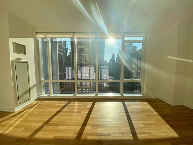 1 Bedroom, Chelsea Rental in NYC for $2,440 - Photo 1