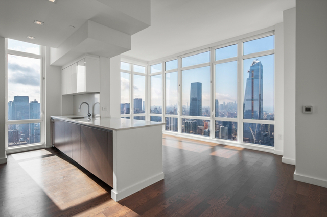 2 Bedrooms, Hell's Kitchen Rental in NYC for $7,742 - Photo 1