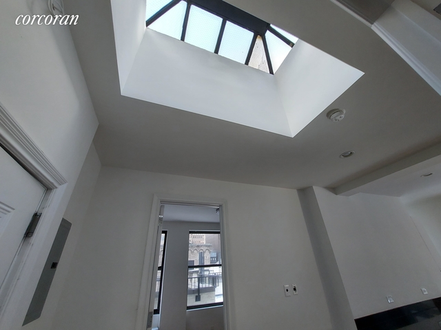 3 Bedrooms, Turtle Bay Rental in NYC for $6,200 - Photo 1