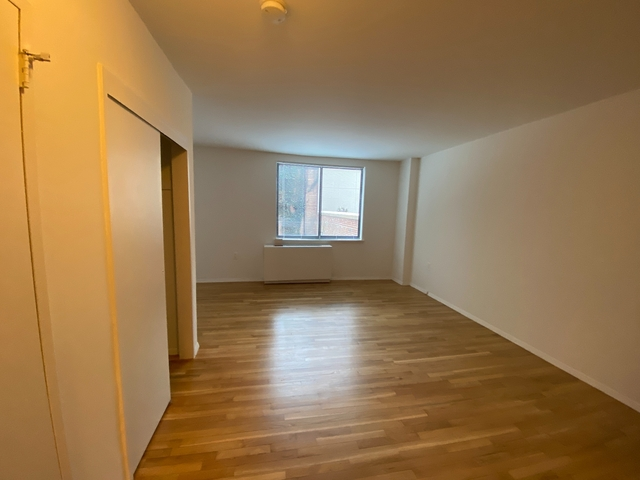Studio, Chelsea Rental in NYC for $1,992 - Photo 1