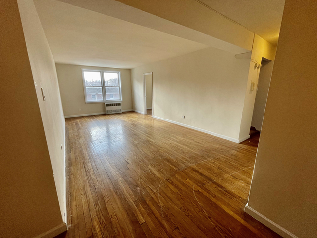 2 Bedrooms, Murray Hill Rental in NYC for $2,095 - Photo 1