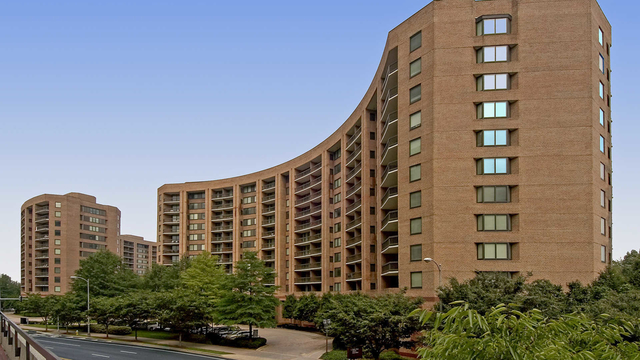 2 Bedrooms, Crystal City Shops Rental in Washington, DC for $2,510 - Photo 1