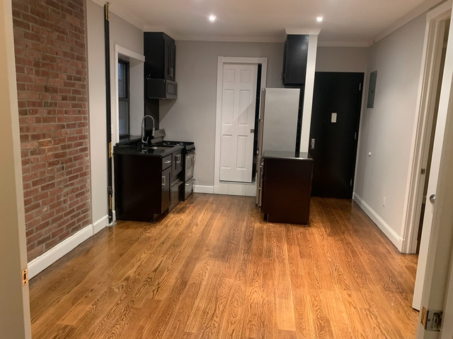 3 Bedrooms, Hell's Kitchen Rental in NYC for $2,687 - Photo 1