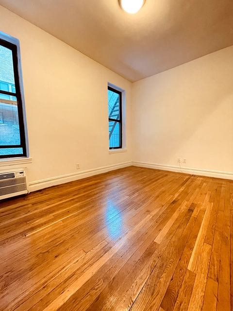 2 Bedrooms, Yorkville Rental in NYC for $2,229 - Photo 1