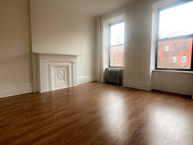 3 Bedrooms, Hell's Kitchen Rental in NYC for $2,395 - Photo 1