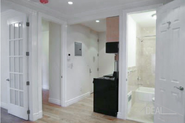 2 Bedrooms, Murray Hill Rental in NYC for $2,274 - Photo 1