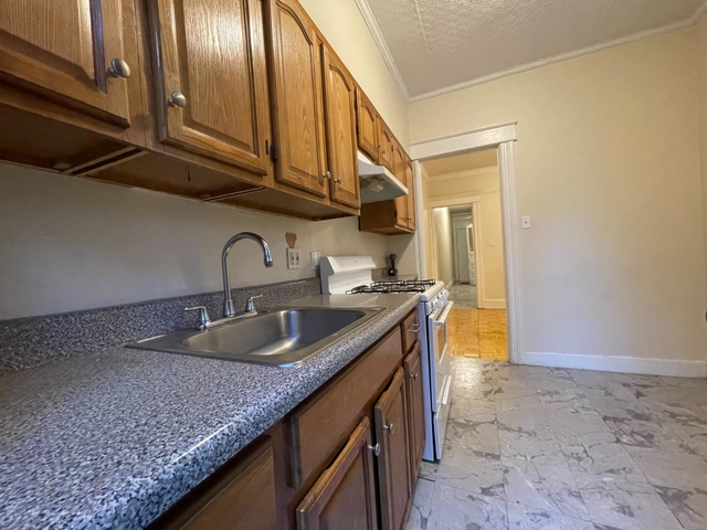 3 Bedrooms, Ridgewood Rental in NYC for $2,195 - Photo 1