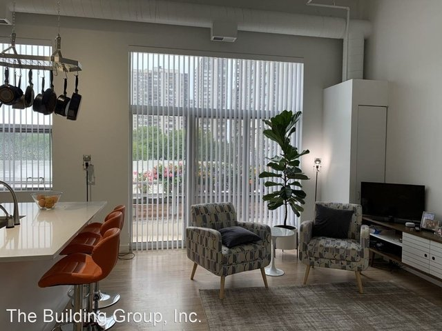 1 Bedroom, Old Town Rental in Chicago, IL for $2,025 - Photo 1