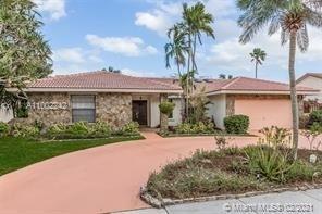 4 Bedrooms, Jacaranda Lakes Rental in Miami, FL for $3,485 - Photo 1