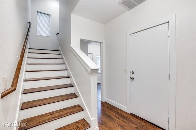 3 Bedrooms, Roseland Rental in Dallas for $2,500 - Photo 1