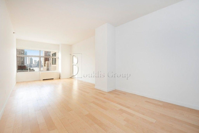 Studio, Financial District Rental in NYC for $2,057 - Photo 1