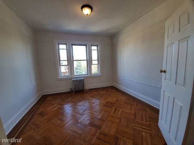 2 Bedrooms, Jackson Heights Rental in NYC for $2,200 - Photo 1