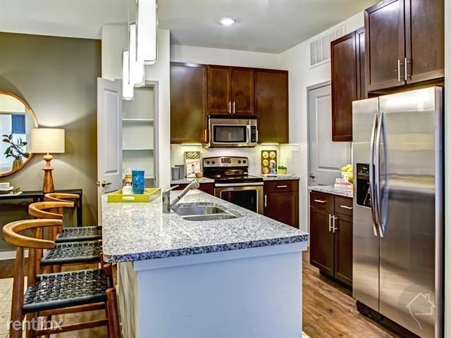 3 Bedrooms, Eastpoint Rental in Houston for $2,219 - Photo 1
