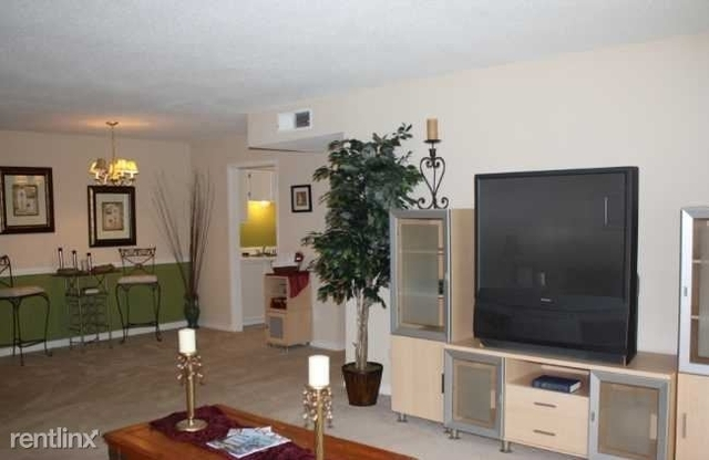 3 Bedrooms, Energy Corridor Rental in Houston for $1,429 - Photo 1