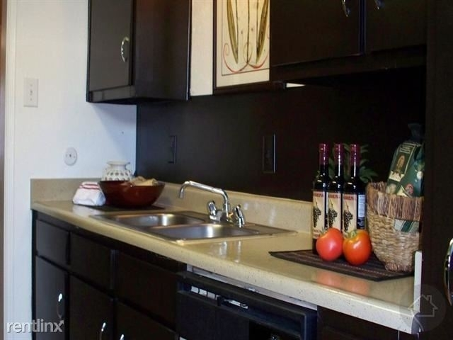 3 Bedrooms, Great Uptown Rental in Houston for $1,650 - Photo 1