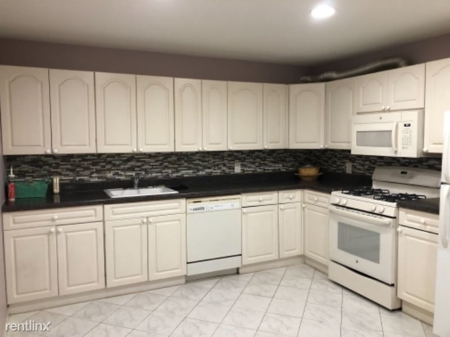 2 Bedrooms, Annadale Rental in NYC for $1,800 - Photo 1