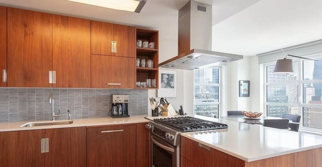 2 Bedrooms, Chelsea Rental in NYC for $10,144 - Photo 1
