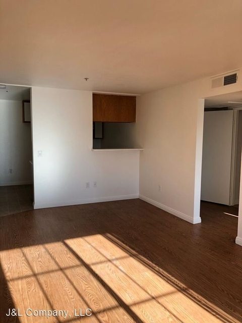 2 Bedrooms, Hollywood United Rental in Los Angeles, CA for $1,995 - Photo 1