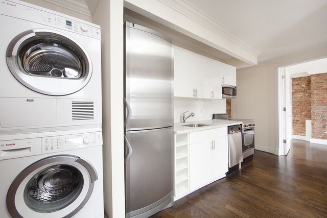 3 Bedrooms, Alphabet City Rental in NYC for $3,900 - Photo 1