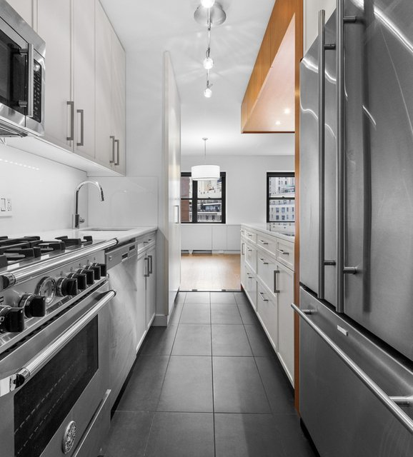 2 Bedrooms, Lincoln Square Rental in NYC for $4,500 - Photo 1